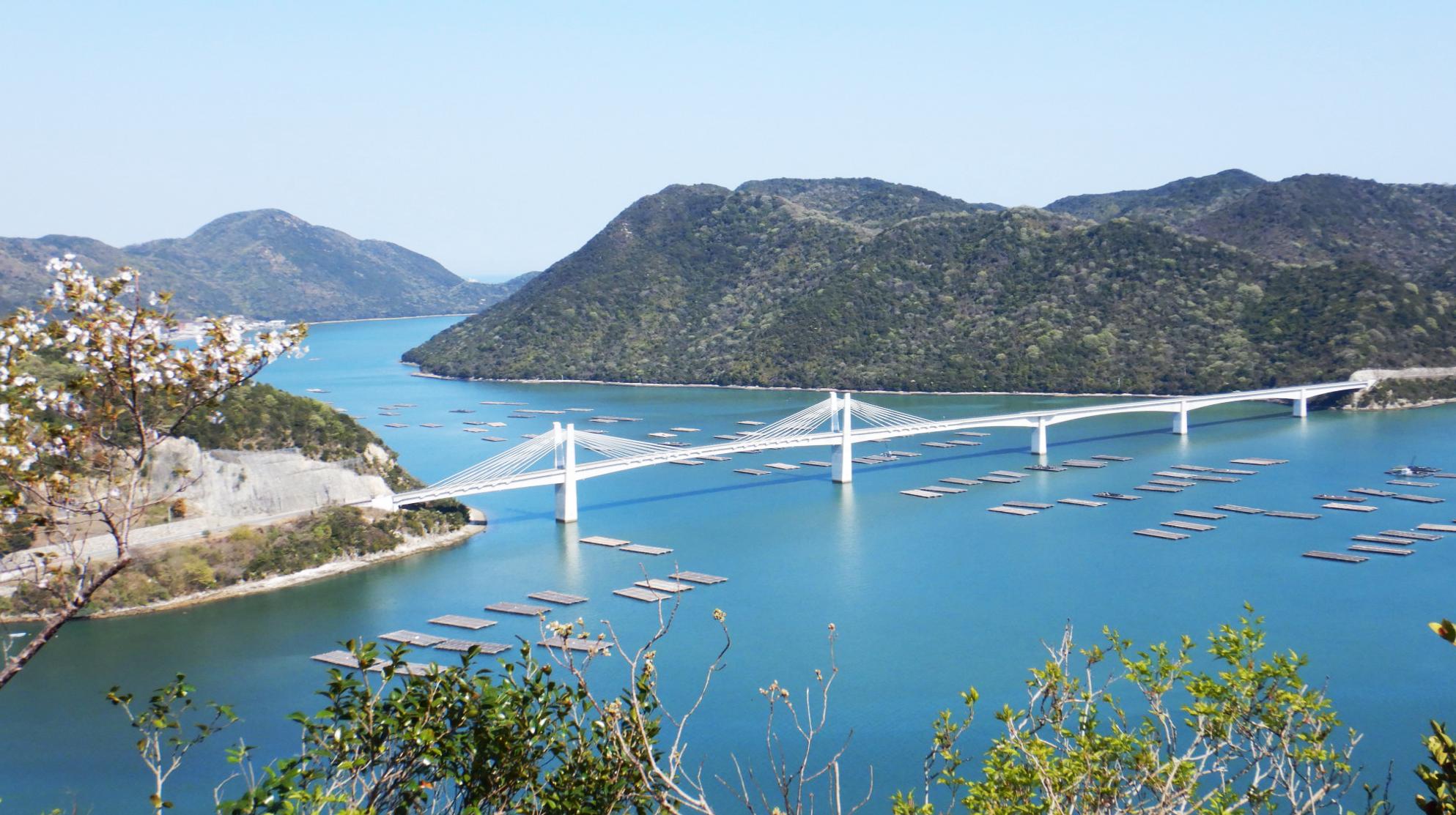 多島美あふれる瀬戸内海国立公園に架かる備前♡日生大橋