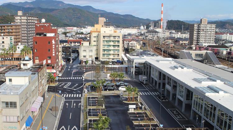 合理性とデザイン性を両立させた延岡駅前広場周辺の景観作り