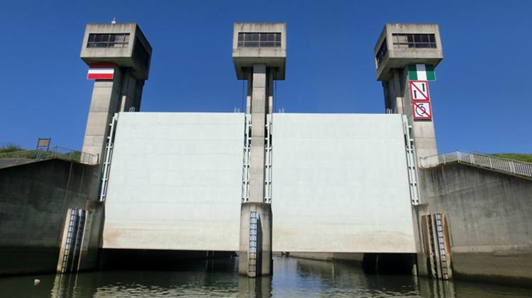 大規模河川管理施設の調査、点検プロジェクト