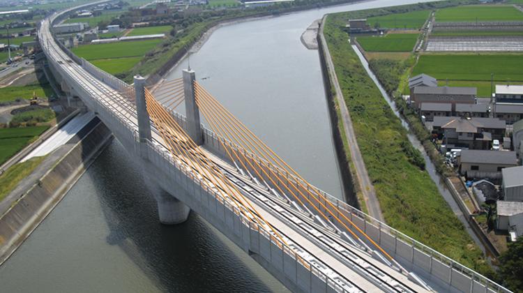 九州新幹線「大野川橋りょう」高速鉄道が走るPCエクストラドーズド橋