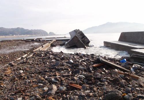 高浜_港湾施設被災後-10.png