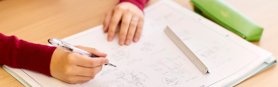 配置計画から設計業務まで、<br>人々を守るために最適な砂防施設を。